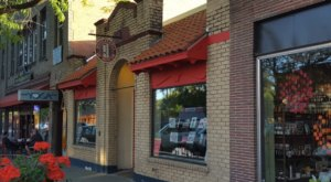 Book People Of Moscow Is A Charming Little Book Shop In Idaho You'll Never Want To Leave