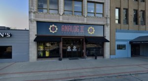 Analog II Is A Bar Arcade In Illinois And It's An Adult Playground Come To Life