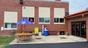 Everyone Will Enjoy The Pizza And Fun Atmosphere At Old School Pizza In Illinois
