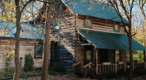 Built In 1858, This Old Log Cabin Is A Charming Lakeside Stay In Minnesota