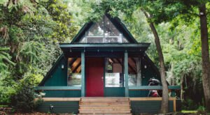 Book A Stay At This Secluded 1955 Airbnb In Alabama For A Peaceful Getaway