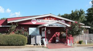 9 Mouthwatering Restaurants That Belong On Alabama's Ultimate Barbecue Bucket List