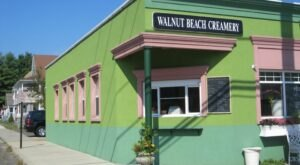 Housed In An Old Post Office, Walnut Beach Creamery In Connecticut Features The Most Unusual (And Tasty) Flavors