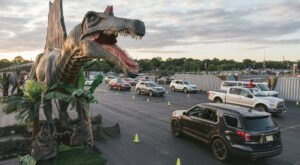 Jurassic Quest Is A Drive-Thru Dinosaur Event In Michigan That Will Thrill The Entire Family