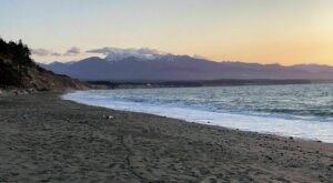 Walk Alongside The Ocean On The 10-Mile Dungeness Spit Trail In Washington