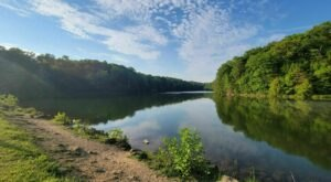 Ohio's Gorge Overlook Loop Trail Leads To A Magnificent Hidden Oasis