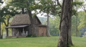 Stay In An Authentic 1800s Log Cabin On A Farm Overlooking A Lake In Illinois