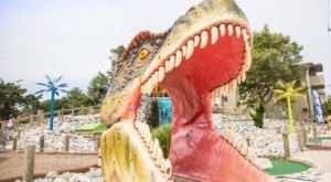 There's A Dinosaur Themed Miniature Golf Course In Maryland Called Nick's Jurassic Golf
