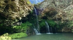 Oklahoma's Dripping Springs Trail Leads To A Magnificent Hidden Oasis