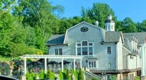 The Fabulous Vyne Restaurant In Connecticut Started As A Café To Feed Middlebury Furniture Shoppers