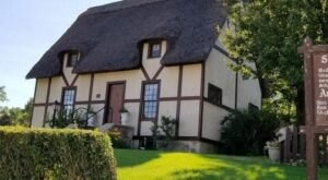 Your Inner Anglophile Is Sure To Love The Charming Anne Hathaway Cottage And Shakespeare Garden In South Dakota