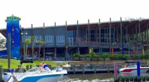 Tacky Jacks Is An Alabama Waterfront Restaurant That Can Be Reached By Land Or By Sea