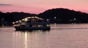 Sail On The Lake Of The Ozarks On A Candlelight Dinner Cruise In Missouri