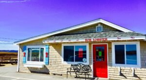 These 7 Massachusetts Coast Seafood Restaurants Are Worth A Visit From Any Part Of The State