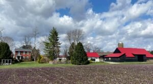 One Of The Most Incredible Small Businesses In Indiana, Stream Cliff Farm Is A Proud Family-Run Farm And Winery