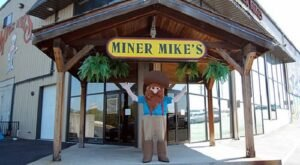 Miner Mike's In Missouri Is A 50,000-Square Foot Indoor Playground The Whole Family Will Love