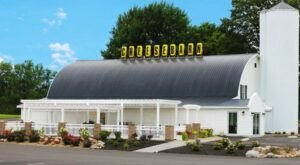 There's Something For Everyone At Grandpa's Cheesebarn In Ohio, Home To Over 200 Different Cheeses