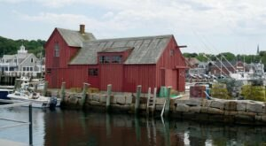 Here Are 7 Of Massachusetts' Tiniest Towns That Are Always Worth A Visit