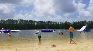 One Of The Coolest Aqua Parks Near New Orleans, White Sands Lake Will Make You Feel Like A Kid Again