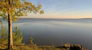 Hop In Your Car And Take Grenada Lake Loop For An Incredible 50-Mile Scenic Drive In Mississippi