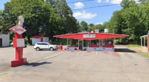 Visit Diamond Drive-In, The Small Town Burger Joint In Arkansas That's Been Around Since 1967