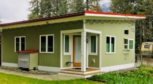 This Cozy Little Alaskan Bungalow Is The Perfect Escape Next Time You're In Juneau
