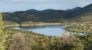 The Hike To Arizona's Pretty Little Parker Canyon Lake Is Short And Sweet