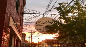 Colby's Breakfast & Lunch Is An Unassuming Spot In New Hampshire That Doesn't Look Like Much, But The Food Is Unforgettable