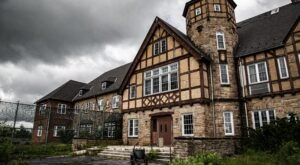 An Overnight Ghost Tour Of The Abandoned Cresson Sanatorium In Pennsylvania Is Not For The Faint Of Heart
