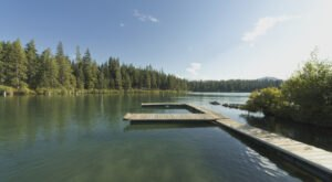 The Best Kayaking Lake In Oregon Is One You May Never Have Heard Of