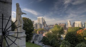 This Author-Themed Walking Tour Of Providence, Rhode Island's East Side Is Perfect For Your Next Outing