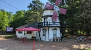 Wisconsin's Tastiest Trail Leads Straight To A Picture-Perfect Ice Cream Shop