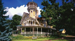 Take A Lake Geneva Boat Ride To An Isolated Wisconsin Mansion That's An 1800s Time Capsule