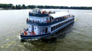 Enjoy Dinner On The Water On This Relaxing Indiana Cruise Ship