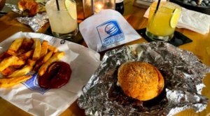 This Post-Office Themed Restaurant In Florida, USBS, Has An Extraordinary Burger