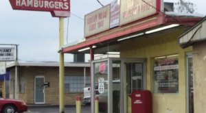 Eat Like A Local When You Order The Legendary Big Okie Burger From Hank's Hamburgers In Oklahoma