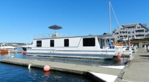 This Summer, Take A New Hampshire Vacation On A Floating Houseboat In Portsmouth Harbor