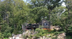 Enjoy A Hot Tub, Water Views, And a Treehouse At This New Jersey Lake House