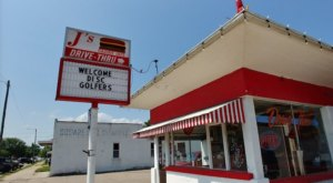 Order The Mouthwatering Burgers and Rings At This Hole-In-The-Wall Drive-Thru Restaurant In Kansas