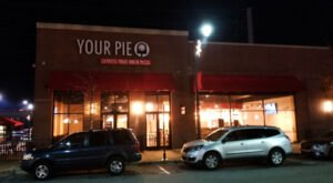 You Can Build Your Very Own Pizza At This Alabama Restaurant