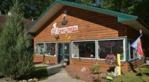 Classic Michigan Deliciousness Awaits When You Stop At Mr. Foisie's Pasties