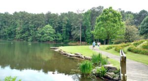 Take A Stroll Along This Short And Easy Garden Trail In Alabama For The Perfect Summer Afternoon