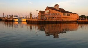 These 6 Virginia Coast Seafood Restaurants Are Worth A Visit From Any Part Of The State