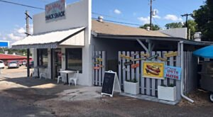 Enjoy New Orleans-Style Food At This Alabama Snack Shack