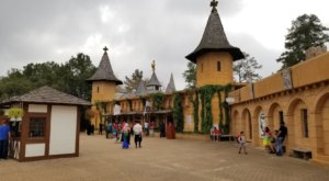 The Texas Renaissance Festival Will Be Back For Its 47th Year Of Fun & Festivities