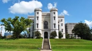 Few Know The Haunting History Behind One Of Louisiana's Most Iconic Castles