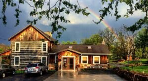 The Farmhouse Restaurant Near Pittsburgh That Is Worth A Trip To The Country