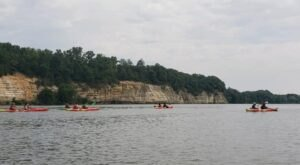 Explore Canyons And Bluffs On This Kayak Tour In Illinois
