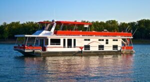 Sail On Table Rock Lake On A Luxurious Houseboat For A Unique Adventure In Missouri