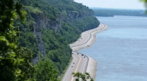 Everyone Should Take This Exhilarating Adventure To Some Of Illinois' Best Hidden Gems